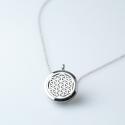 Stellaé scented necklace